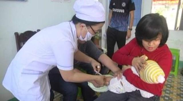 Các địa phương đẩy mạnh công tác tiêm chủng.