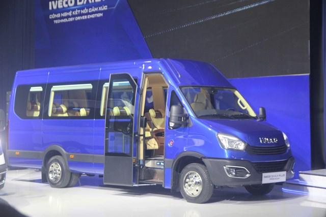 Thaco giới thiệu dây chuyền sản xuất và sản phẩm Mini Bus Iveco Daily - Ảnh 1