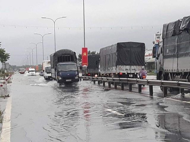 Bão số 6 đã đổ bộ vào Quảng Nam, Quảng Ngãi.