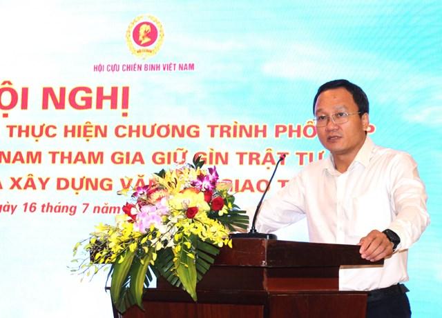 Ông Khuất Việt Hùng phát biểu tại Hội nghị.