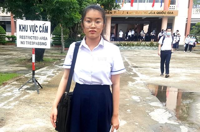 Nghị lực phi thường của một nữ sinh nghèo ở Kiên Giang