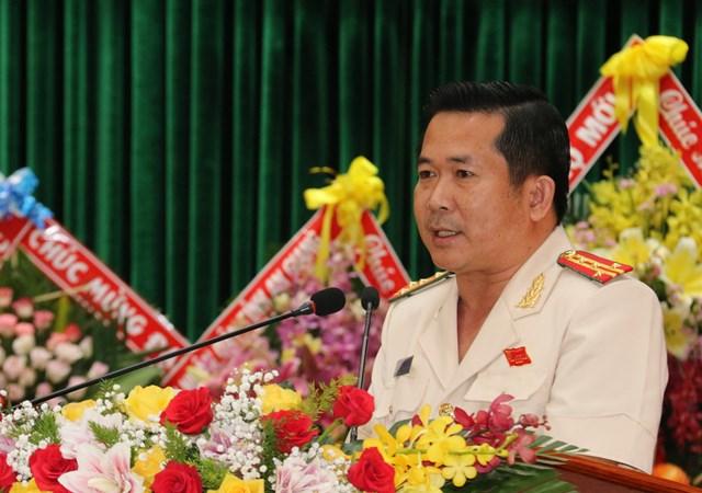Tân giám đốc Công an tái đắc cử Bí thư Đảng uỷ Công an tỉnh phát biểu tại đại hội.