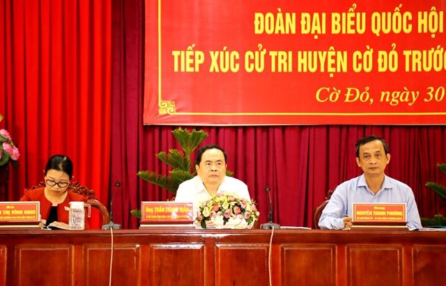 Đoàn đại biểu đơn vị TP Cần Thơ tiếp xúc cử tri tại huyện Cờ Đỏ.