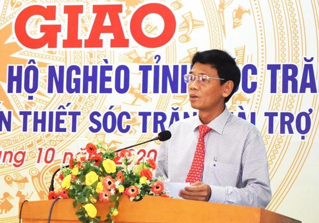 Ông Lâm Văn Mẫn Phó Bí thư Thường trực Tỉnh uỷ Sóc Trăng phát biểu tại buổi bàn giao nhà Đại đoàn kết.