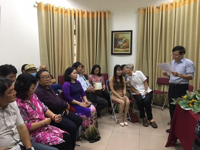 Nhà văn Nguyễn Trí Huân, Tổng biên tập Tạp chí, Trưởng ban tổ chức giải phát biểu.