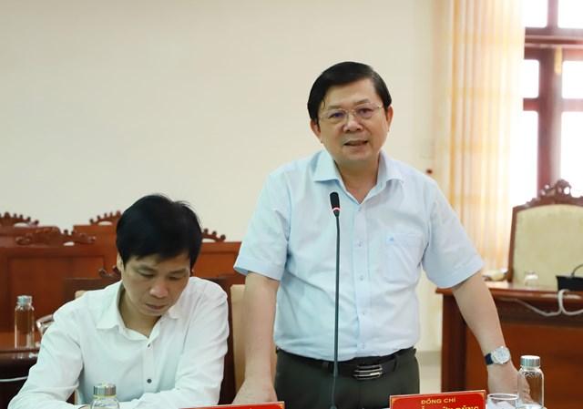 Phó Chủ tịch Nguyễn Hữu Dũng phát biểu tại buổi làm việc.