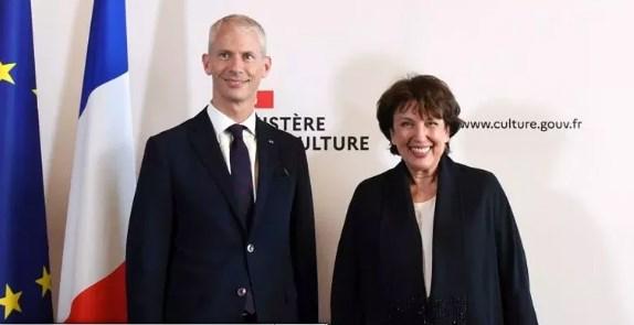 Bà Bachelot (bên phải) - Bộ trưởng Văn hóa mới của Pháp. Ảnh: Le Monde.