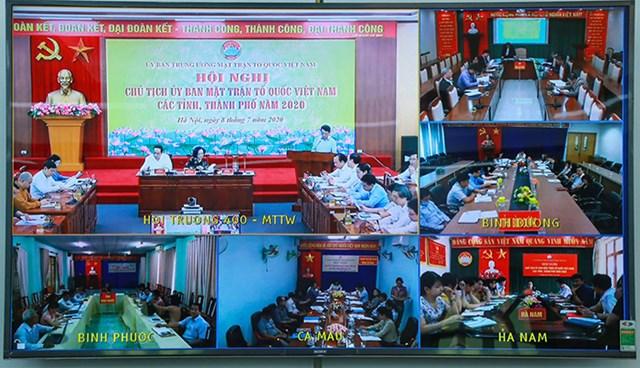 Hình ảnh trực tuyến từ điểm cầu các tỉnh tham dự Hội nghị. (Ảnh chụp màn hình).