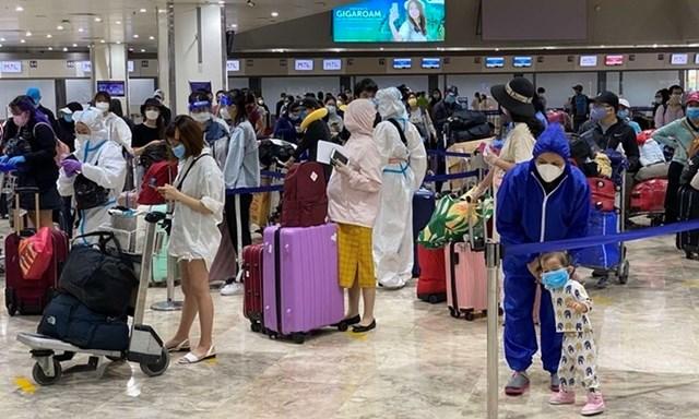 Những công dân Việt Nam ở Philippines về nước hôm 14/5. Ảnh: Bộ Ngoại giao.