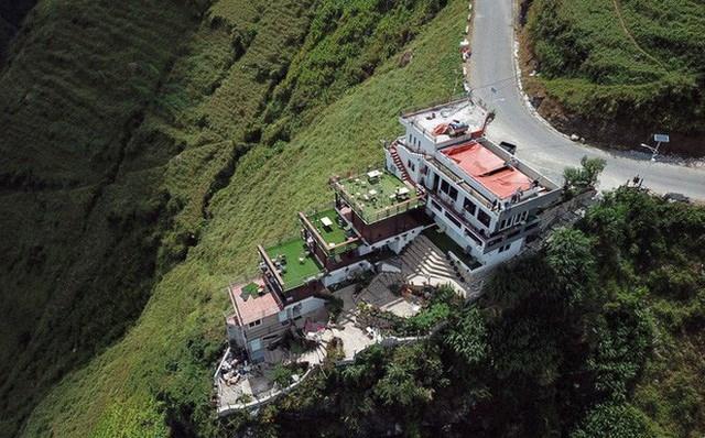 Hình ảnh tổ hợp nhà hàng Mã Pì Lèng Panorama trước thời điểm bị phá dỡ (Ảnh: Nguyễn Trường).