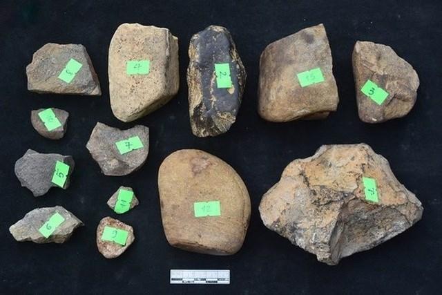 Phát hiện 4 di tích người tiền sử ở Bắc Kạn - 1Nhấn để phóng to ảnhNhiều hiện vật thuộc giai đoạn hậu kỳ đá cũ được phát hiện. Ảnh: TTXVN.