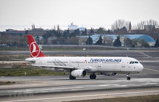 Một máy bay của Turkish Airlines tại sân bay Ataturk ở Istanbul, Thổ Nhĩ Kỳ. (Ảnh: AFP/TTXVN),