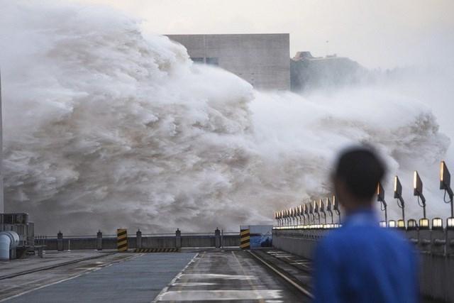 Theo đài CGTN hôm 29/7, đập Tam Hiệp đang góp phần giảm lượng nước lũ tới 37%. Ảnh: AP.