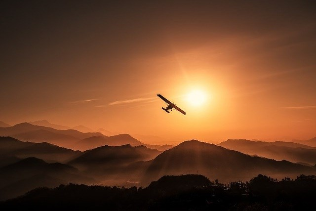 "Bức ""Bay tới mặt trời"" của tác giả Yevhen Samuchenko chụp tại Pokhara, Nepal."
