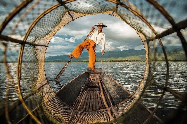 """Bức """"Thăng bằng"""" chụp tại Myanmar."""