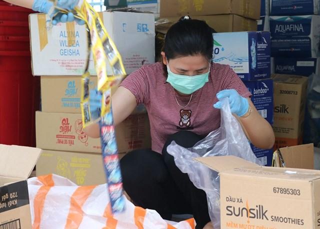 Cận cảnh bệnh viện dã chiến đầu tiên tại thành phố Đà Nẵng - Ảnh 1