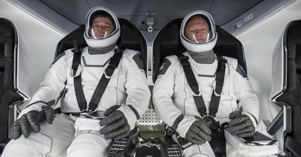Các phi hành gia trên tàu Crew Dragon. (Ảnh: Report Door).