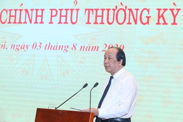 Bộ trưởng, Chủ nhiệm Văn phòng Chính phủ Mai Tiến Dũng phát biểu tại buổi họp báo. Ảnh: Quang Vinh.