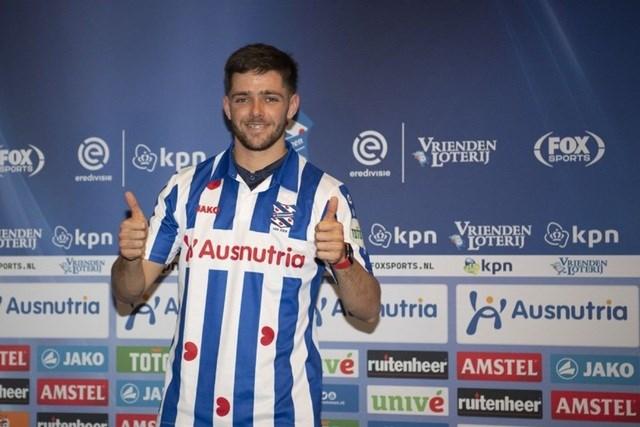 Heerenveen chính thức công bố bản hợp đồng thay thế Văn Hậu - Ảnh 1