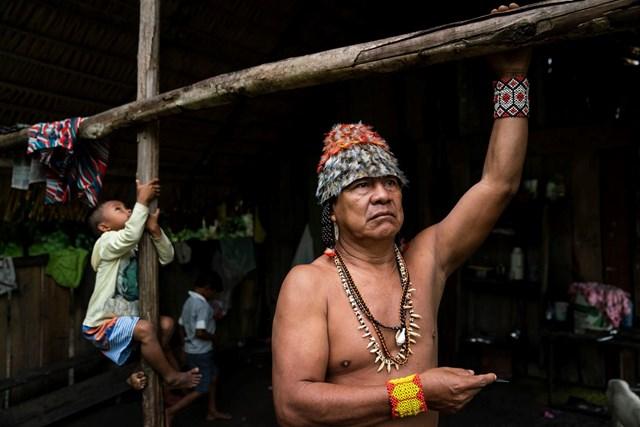 Tù trưởng Munduruku- ông Juare Saw, bộ lạc Munduruku.