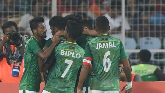 11 tuyển thủ Bangladesh dương tính với Covid-19.