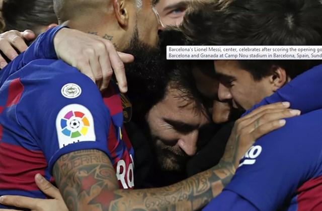 Messi ăn mừng sau khi ghi bàn mở tỷ số trong trận đấu tranh Cup La Liga giữa Barcelona và Granada tại sân vận động Camp No, Tây Ban Nha, ngày 19/1/2020.