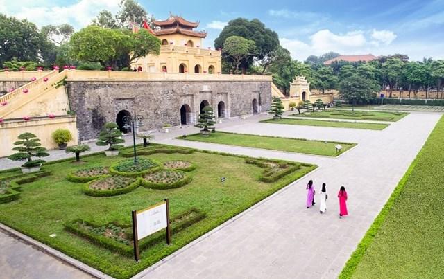 Khu di tích Hoàng thành Thăng Long có sức hấp dẫn lớn đối với du khách trong và ngoài nước.