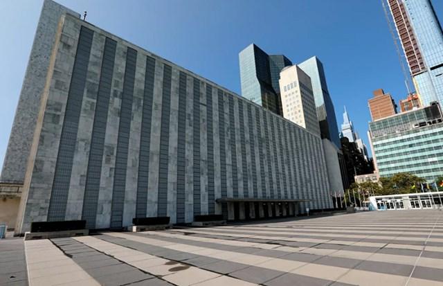Mặc dù đang diễn ra phiên họp thường kỳ của Đại hội đồng Liên hợp quốc nhưng tòa nhà của Liên hợp quốc ở New York vắng tanh. Đây cũng là hậu quả của đại dịch Covid-19.