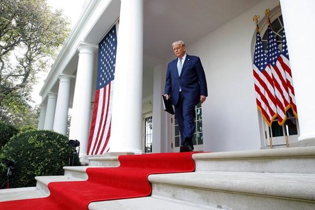 Tổng thống Trump bác cáo buộc 'nộp thuế thấp hơn dân thường Mỹ' - Ảnh 1