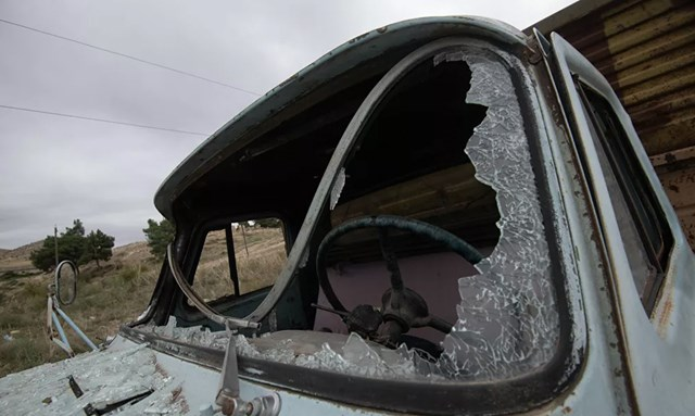 [ẢNH] Nagorno-Karabakh bị tàn phá nặng nề sau trận pháo kích  - Ảnh 4