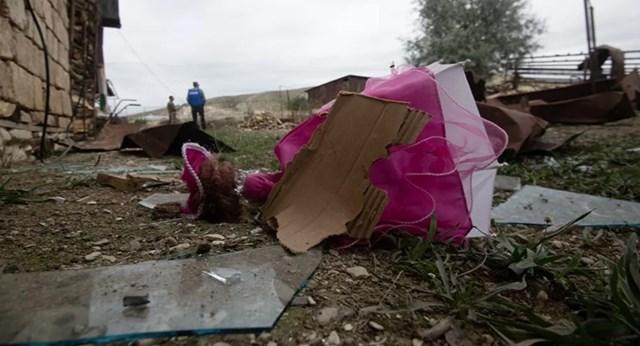 [ẢNH] Nagorno-Karabakh bị tàn phá nặng nề sau trận pháo kích  - Ảnh 1