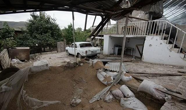 [ẢNH] Nagorno-Karabakh bị tàn phá nặng nề sau trận pháo kích  - Ảnh 3