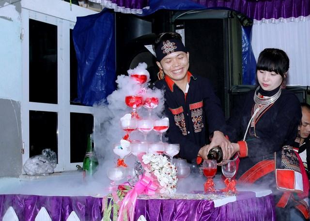 Ấn tượng đám cưới  của người Dao ở Ba Vì - Ảnh 1