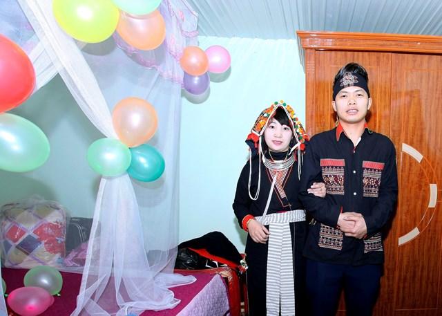 Ấn tượng đám cưới  của người Dao ở Ba Vì - Ảnh 2