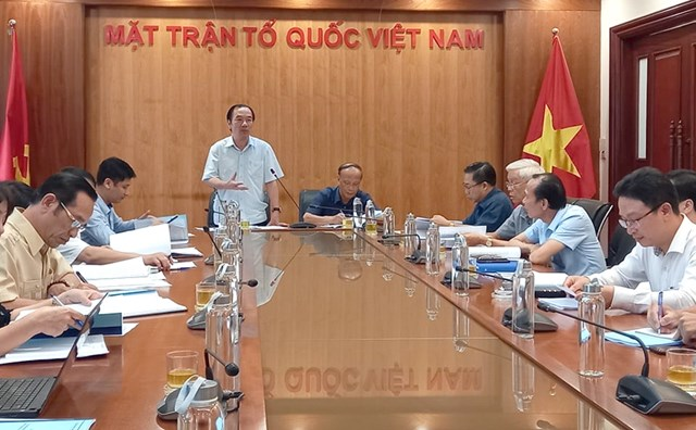 Phó Chủ tịch Ngô Sách Thực phát biểu tại hội thảo.