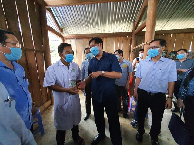 Thứ trưởng Bộ Y tế kiểm tra công tác phòng dịch bạch hầu tại Đắk Nông - Ảnh 1