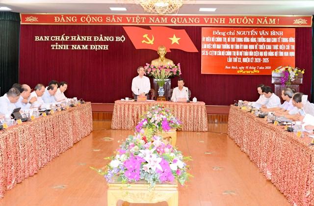 Trưởng Ban Kinh tế Trung ương Nguyễn Văn Bình phát biểu tại buổi làm việc.