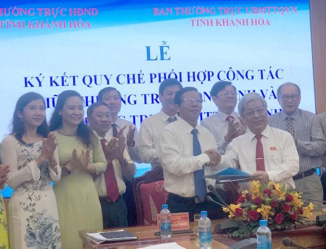 Ký kết quy chế phối hợp giữa Thường trực HĐND và Ủy ban MTTQ Việt Nam.