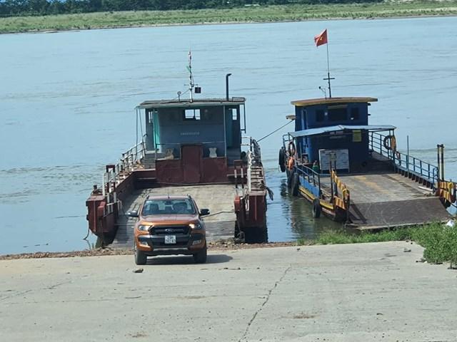 Bến đò xã Vân Phúc vẫn hoạt động dù không có phép.