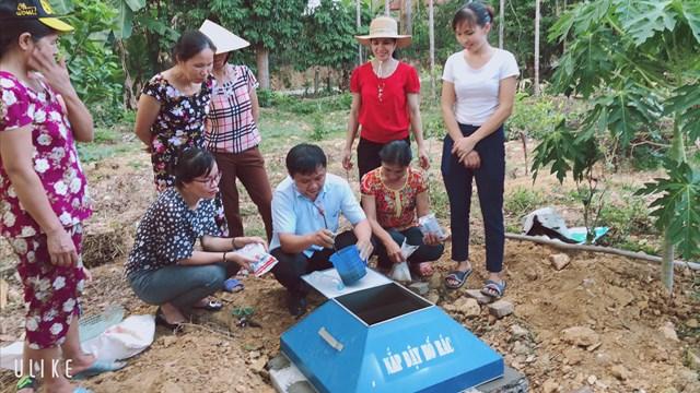 Mô hình xử lý rác thải bằng men vi sinh được Hội Phụ nữ huyện Đô Lương (Nghệ An) phát động và triển khai khá hiệu quả.