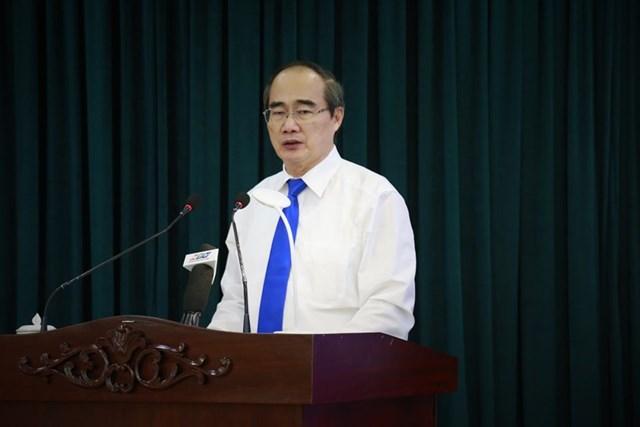 Bí thư Thành ủy Nguyễn Thiện Nhân cho biết, TP HCM đang lập đề án xin phần ngân sách thành phố giữ lại tăng từ 18% lên 24%. Ảnh: Hồng Phúc.