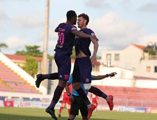 Sài Gòn FC vươn lên đầu Bảng xếp hạng.