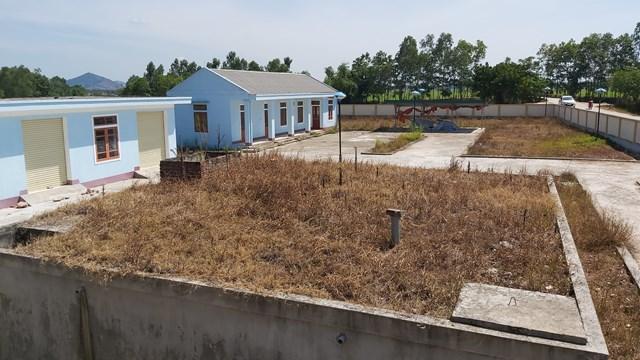 Nhà máy nước sạch Hưng Thông, huyện Hưng Nguyên được đầu tư gần 26 tỷ đồng, không có năng lực vận hành.