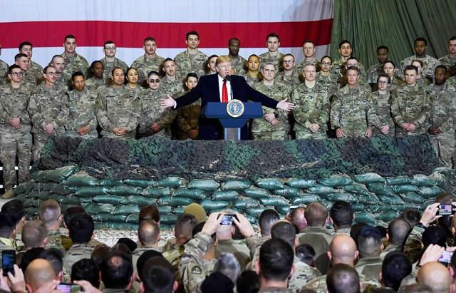 Tổng thống Mỹ Donald Trump phát biểu trước các binh sĩ Mỹ tại Afghanistan, ngày 28/11/2019. Ảnh: AFP.