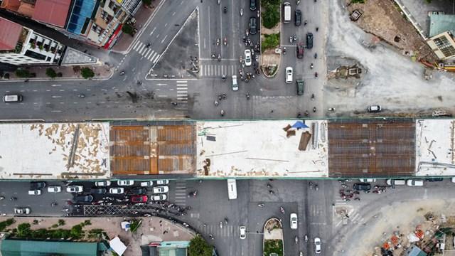[ẢNH] Cây cầu vượt lớn nhất Thủ đô sắp về đích - Ảnh 2
