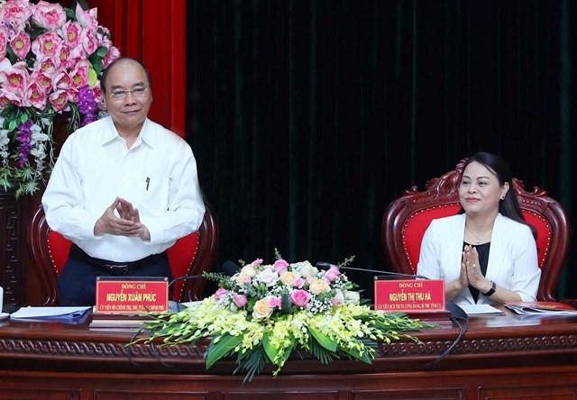 Thủ tướng Nguyễn Xuân Phúc làm việc với lãnh đạo chủ chốt tỉnh Ninh Bình. Ảnh VGP/Quang Hiếu.