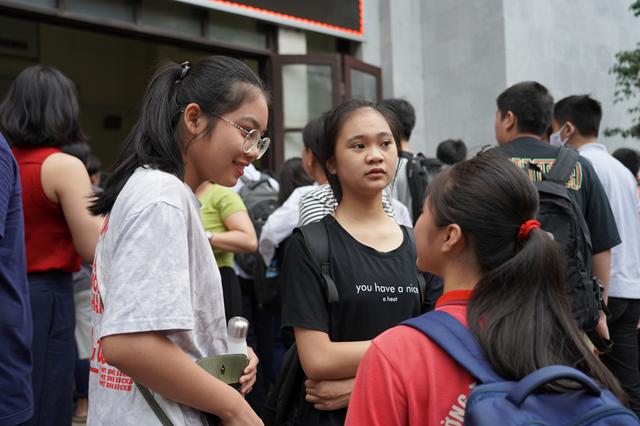 Thí sinh dự thi vào lớp 10 trường chuyên ĐH Quốc gia Hà Nội năm học 2020- 2021.