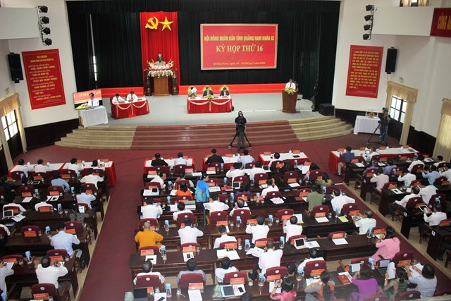 Các đại biểu tham dự Kỳ họp HĐND tỉnh Quảng Nam lần thứ 16.