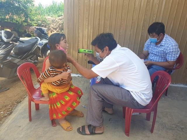 Ngành Y tế tỉnh Đắk Lắk đang cùng các cơ quan chức năng khống chế các ổ dịch bạch hầu.