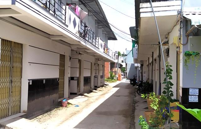 Một khu dân cư tự phát phường Long Hoà, liên quan đến sai phạm đất đai tại Bình Thuỷ.